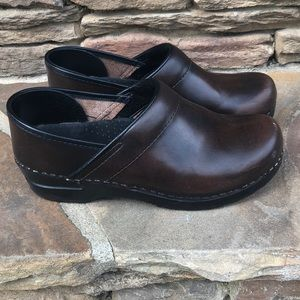 Sanita Brown professional clogs 38